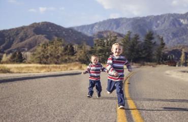 איך לגרום לילד להיות חברותי יותר ולהצליח לקנות לו חבר